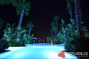 Noční bazén