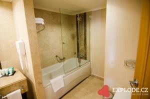 Sprchový kout s vanou