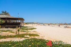 Pláž hotelu Dar Khayam