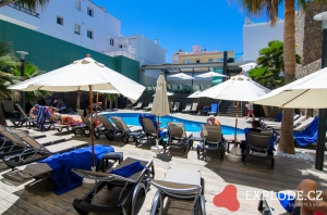 Barcelo Hamilton hotel