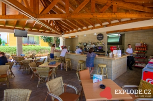 Venkovní bar Barcelo Pueblo