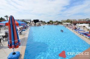 Bazén hotelu Eftalia Village