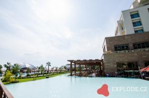 Bazén hotelu Riu Kaya Palazzo