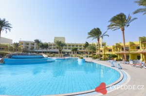 Bazén Palm Beach Resort
