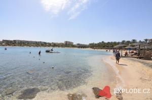 Pláž hotelu Zee Brayka Bay Reef